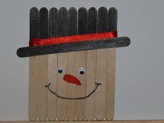 sneeuwmannetje; super leuk om samen met kleine kids te maken of evt nieuwjaarsbrief achteraan te kleven, knutselwerk zelfs idee vanop pinterest Stick Art, Teaching, Winter, Seeds, Winter Time, Education, Winter Fashion, Learning