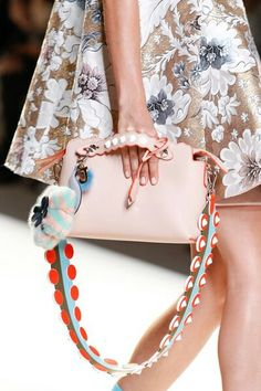 f0ddfa4a46c9 See detail photos for Fendi Spring 2017 Ready-to-Wear collection. Designer  Taschen