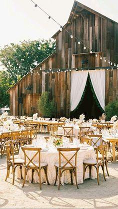 Green Wedding, Farm Wedding, Wedding Barns, Cowgirl Wedding, Wedding Places, Wedding Dj, Weddings In Barns, Forest Wedding Venue, Barn Wedding Photos