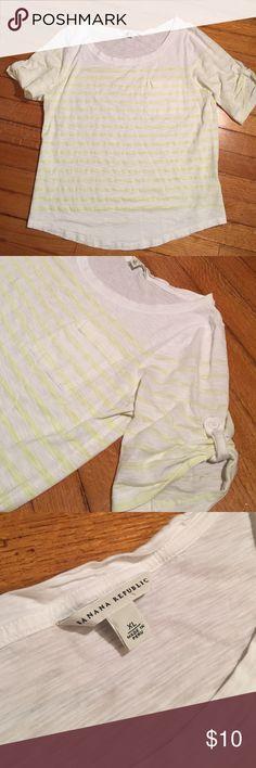 Pale yellow stripes;). XL Banana Republic. Pale yellow stripes. XL Banana Republic Tops Tees - Short Sleeve