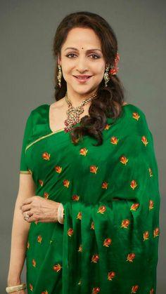 Ever green Hema malini. Beautiful Blonde Girl, Beautiful Girl Indian, Most Beautiful Indian Actress, Beautiful Gorgeous, Beautiful Saree, Bollywood Sarees Online, Bollywood Designer Sarees, Beauty Full Girl, Beauty Women