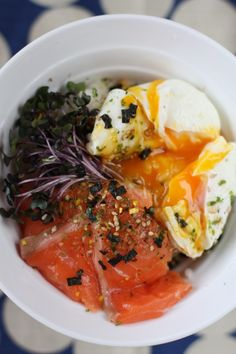 salmon sashimi, poached egg, and hot rice - mmmmm!  i want to eat this picture!