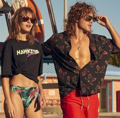 H&M Launches the Stranger Things Billy Hargrove Fashion Collection - New Ideas Stranger Things Season 3, Stranger Things Funny, Stranger Things Netflix, Dacre Montgomery, Stranger Things Aesthetic, Halloween Costumes For Teens, Teen Vogue, Pretty People, Vintage Outfits