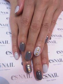 Fall grey nail
