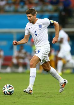 Steven Gerrard Photos - England v Italy: Group D - 2014 FIFA World Cup Brazil - Zimbio