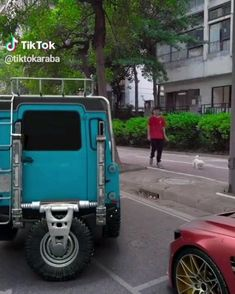 Is this real or fake - Fahrzeuge - Humor Car Memes, Funny Video Memes, Funny Jokes, Auto Gif, Wow Video, Bmw Autos, Off Road, Cool Inventions, Land Rover Defender