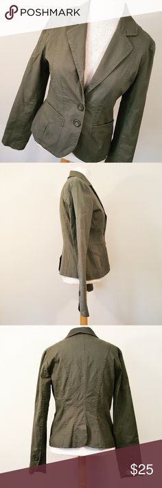 H&M Olive Green Fitted Blazer H&M Olive Green Fitted Blazer H&M Jackets & Coats Blazers