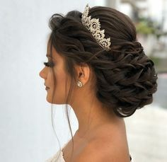 Quince Hairstyles, Wedding Hairstyles For Long Hair, Crown Hairstyles, Wedding Hair And Makeup, Hairstyles For Brides, Princess Hairstyles, Sweet 15 Hairstyles, Gorgeous Hairstyles, Natural Hairstyles