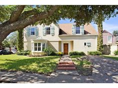 Trick-or-Treat! We've reached the final Mansion Monday of October, and it's a beauty! Located in Old Metairie, near Metairie Country Club, this home offers updated style and elegance. Click the listing to explore this spectacular property.
