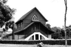 https://flic.kr/p/GNhbCa | Bosque Alemão | O Bosque Alemão, antiga chácara da família Schaffer com 38 mil m² de área, foi inaugurado em 1996 na cidade de Curitiba, capital do estado brasileiro do Paraná. Localiza-se no bairro Vista Alegre e é formado por mata nativa densa.