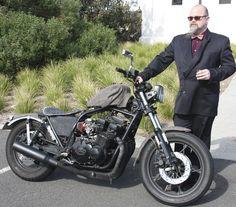 2013 Distinguished Gentlemen's Ride in Melbourne Read story: http://motorbikewriter.com/gentlemen-start-their-engines/ See 2014 preview: http://motorbikewriter.com/distinguished-gentlemen-start-engines/