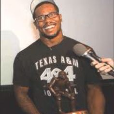 I know what I'm going to be for Halloween next year.... Von Miller.