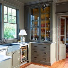 Butlers pantry #beauclowneyarchitects #sullivansisland #architecture #ameliahandegan #interiors #cottage #cottagestyle #instadesign #newoldhouse #butlerspantry #soapstonesink #lowcountry #ericpiaseckiphotography