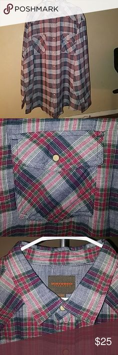 New Northwest snap up men's shirt This is a 😎 snap up 👕. You can rock this out with one of my pair of jeans 😉 or dress it up with a blazer. Gone head and get it for yourself or that special man in your life.You like it, make me an offer. Northwest Shirts Casual Button Down Shirts