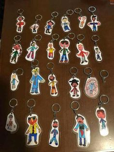 A keychain for Father& Day - School - .- Un portachiavi per la Festa del papà – Scuola – … A keychain for Father& Day – School – the - Mothers Day Crafts For Kids, Fathers Day Crafts, Diy Crafts For Kids, Art For Kids, Arts And Crafts, Father's Day Activities, Classroom Crafts, Grandparents Day, Mother And Father