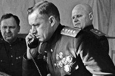 Рокоссовский. Командующий 1-м Белорусским фронтом генерал армии Константин Рокоссовский на командном пункте в 1944 году.