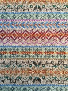 Ravelry: Project Gallery for Fairisle Club: Traditional Fair Isle Throw pattern . Ravelry: Project Gallery for Fairisle Club: Traditional Fair Isle Throw pattern by Marie Wallin. Fair Isle Knitting Patterns, Knitting Charts, Weaving Patterns, Knitting Stitches, Knit Patterns, Motif Fair Isle, Fair Isle Chart, Fair Isle Pattern, Sampler Quilts