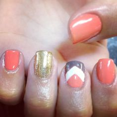 Shellac nails--I'd do with coral and navy but like the design