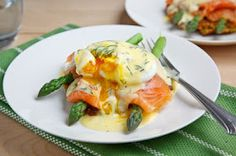 Smoked salmon asparagus and qinoua cake eggs benidict