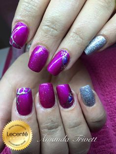 Gorgeous set by Amanda Trivett using #CND #shellac magenta mischief & #silver chrome, #Lecenté candy #pink & #silver holo #glitter, #embossing with bright silver #foil & #gem created using Lecenté glitters candy pink, azure & asteroid #stardust #pinknails #glitternails #silvernails #nailart