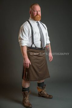 https://i.pinimg.com/736x/09/66/89/096689d4d7553c5a7e9e546940234dca--men-in-kilts-big-daddy.jpg