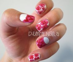 Demi's Nails: Lovely Little #Flowers and #Hearts #Nails