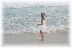 Flower girl - Beach wedding
