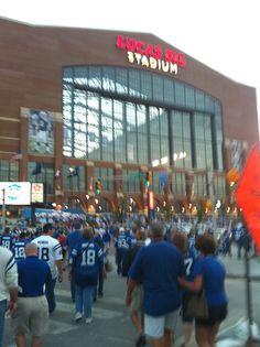 Lucas Oil Stadium 1 - Giants vs Indianapolis September 19, 2010.  Manning Bowl II.