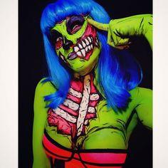 Pop art zombie couple 37 ideas for 2019 Pop Art Zombie, Zombie Walk, Zombie Girl, Halloween Kostüm, Halloween Makeup, Halloween Costumes, Pop Art Makeup, Crazy Makeup, Horror Makeup