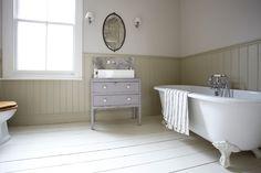 Wood panelling in bathroom / wooden floor