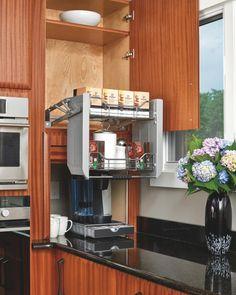 Выдвижная система для верхних полок на кухне