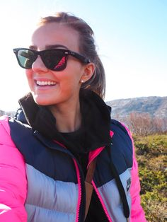 This bubble jacket from Nike is absolutely perfect. Not too hot, not too cold! And if I was going to go astray in the mountains is not that hard to spot me right, haha. It manages I mention every time on this particular route to Nibbs.