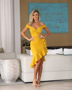 Drop a comment on what you this about this dress! Follow us @hamburg_stylish #fashionblogger_de #carmushka #blogger_de #ootdgermany… Evening Dresses, Prom Dresses, Summer Dresses, Gown Pattern, Stella Jean, Yellow Dress, Beautiful Dresses, Casual, Girl Fashion