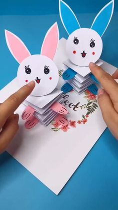 Paper Crafts Origami, Diy Crafts For Gifts, Paper Crafts For Kids, Cardboard Crafts, Craft Activities For Kids, Preschool Crafts, Diy For Kids, Fun Crafts, Diy Paper