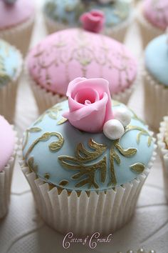 Tea:  Beautiful cupcakes for #tea time.