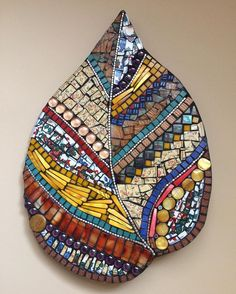 Texture, volume and colours. Used glass, beads,tiles, pearl . Mosaic Artwork, Mosaic Wall, Mosaic Glass, Mosaic Tiles, Mosaic Mirrors, Mosaic Drawing, Blue Mosaic, Mosaic Crafts, Mosaic Projects
