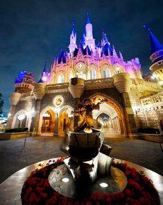 #Disney #tdr #tokyodisneyland #tokyodisneyresort #tdl#シンデレラ城#ディズニーランド#ディズニー#mickey #ミッキー#夜景#disney Disney Parks, Walt Disney World, Disney World Pictures, Disney Castles, Mickey Mouse, Tdl, Traveling, Viajes, Trips