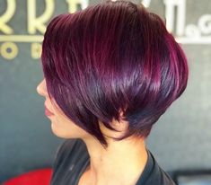 Pixie Hairstyles, Pixie Haircut, Short Hairstyles For Women, Straight Hairstyles, Pelo Color Vino, Short Bob Styles, Short Bob Haircuts, Medium Stacked Haircuts, Haircut And Color