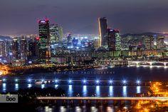 City life in Seoul.