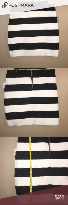 Plus Size Bandage Skirt Forever 21 Plus Size stripe brand new textured bandage skirt.  Size 2x measure 17.5 across the waist and 20 inch long. Very stretchy!!!! Forever 21 Skirts Mini