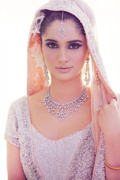 Bridal Diamonds: love the necklace!