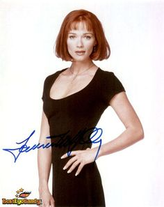 Lauren Holly Lauren Holly, Simply Red, Star Pictures, Photo Online, Celebs, Celebrities, Classic Beauty, Short Hair Styles, Actresses