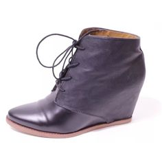 Dolce vita black ankle boots Pre owned, in good condition. Comes with box Dolce Vita Shoes Ankle Boots & Booties
