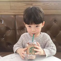 Find images and videos about korean, coffee and korea on We Heart It - the app to get lost in what you love. Cute Asian Babies, Korean Babies, Asian Kids, Cute Babies, Kids Boys, Baby Kids, Baby Boy, Ulzzang Kids, Korean Couple