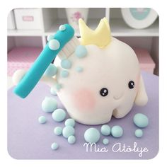 Tooth cake topper