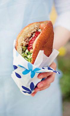 Hot Dog Buns, Street Food, Bagel, Hamburger, Good Food, Food And Drink, Treats, Baking, Ethnic Recipes