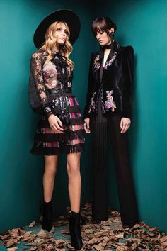 The complete Zuhair Murad Fall 2018 Ready-to-Wear fashion show now on Vogue Runway. Fashion Week, Runway Fashion, High Fashion, Womens Fashion, Fashion Tips, Dubai Fashion, Fashion Fashion, Fashion Trends, Collection Couture