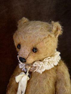 ~oh what a wonderful fellow!Unbelievably cute vintage style Teddy   Aerlinn Bears (pin via Dollhouse Designs)