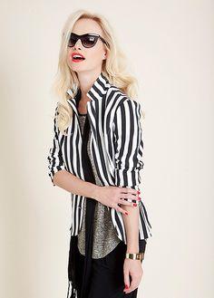 DISCREET's striped jacket
