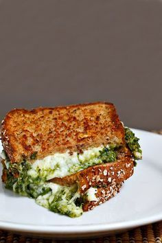 : Spinach Pesto Grilled Cheese Sandwich The best grilled cheese sandwich recipes ever! A perfectly grilled/toasted cheese sandwich is one of the best things in life and a gourmet grilled cheese sandwich is even better! Think Food, I Love Food, Good Food, Yummy Food, Tasty, Delicious Recipes, Grill Cheese Sandwich Recipes, Soup And Sandwich, Pesto Sandwich